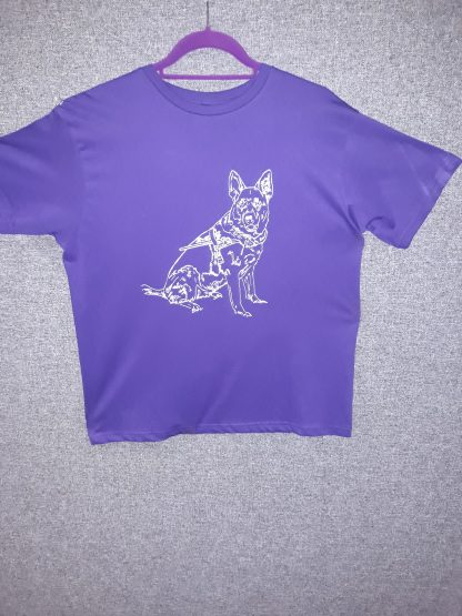 Tshirt featuring printed sketched image of Kayra in harness.