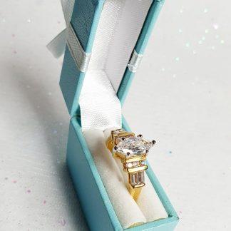 Boxed diamante ring