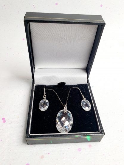 Boxed Earring & necklace set